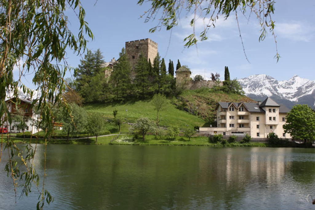 Laudeck Burg bei Ladis